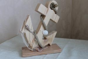 Anker aus Holz zur Dekoration