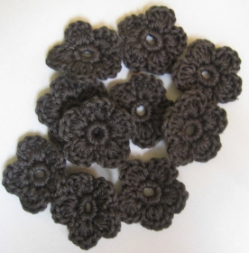 5 Häkelblumen einfarbig, ca. 3,5 cm - Handarbeit kaufen