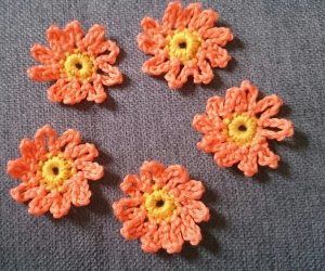 5 Häkelblumen Margerite, ca. 3,5 cm - Handarbeit kaufen