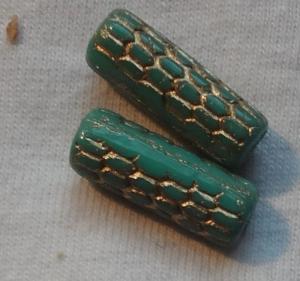 Pressperlen aus Glas, hergestellt in Tschechien, Walze, 18x6mm, grün-gold