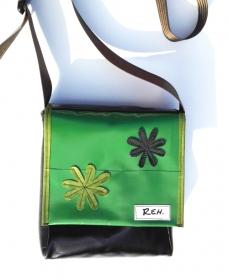 Tasche aus Plane und Leder mit wundervollen Applikationen, ein cooler Hingucker und natürlich ein UNIKAT! (Kopie id: 100138548)