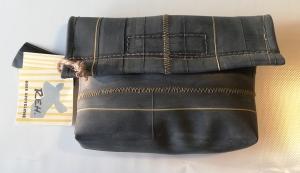 Tasche aus Fahrradschlauch, Unikat, Clutch, Kulturtasche, Klettverschluss,rote Nähte, schwarz, Recycling, Klimaschutz, Upcycling (Kopie id: 100216234) (Kopie id: 100217328)