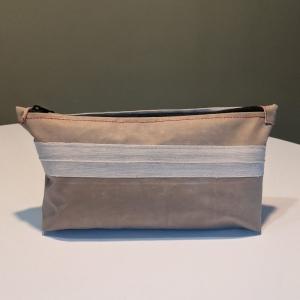 Tasche aus Luftmatratze, Clutch, 70er Jahre, Gummi, Utensilo, rot, beige, Stoff, Kulturtasche, Kulturbeutel, Federtasche, Schminktäschchen, Reißverschluß - Handarbeit kaufen