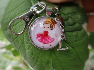 Personalisierbarer Schlüsselanhänger, Ballerina, Tanzen, Glascabochon, Karabinerhaken mit Wirbel, Geschenk - Handarbeit kaufen