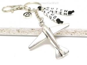 Schlüsselanhänger, Flugzeug, personalisiert, Gute Reise, Buchstabenperlen, Glücksbringer, Geschenk - Handarbeit kaufen