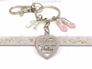 Personalisierter Schlüsselanhänger, Ballett, rosa Schuhe, Ballerina, Tanzen, Glücksbringer, Karabinerhaken mit Wirbel, Geschen - Handarbeit kaufen