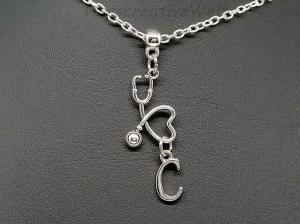 Personalisierte Halskette, Stethoskop, Arzt, Ärztin, Krankenschwester, Pflegerin, Buchstabenkette, Herz, Dankeschön, Schutzengel, Geschenk - Handarbeit kaufen