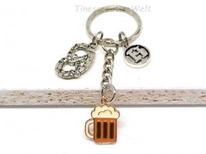 Personalisierter Schlüsselanhänger, Brezel, Bierkrug, Emaille, Buchstaben, Geschenk Freund - Handarbeit kaufen