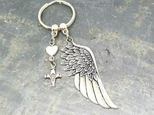 Schlüsselanhänger, Engelsflügel, Kreuz, Taschenanhänger, Glücksbringer, Geschenkidee - Handarbeit kaufen
