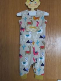 I love Guanacos, Alpakas, Llamas Öko-Strampler Babies in beiger Hintergrund Gr 74-80, Baby Strampler - Handarbeit kaufen