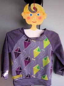Lustige Drachen Steigen lila langarm T-Shirt für Buben und Mädchen Größe 74, 9 mo, Urlaubs T-shirt - Handarbeit kaufen