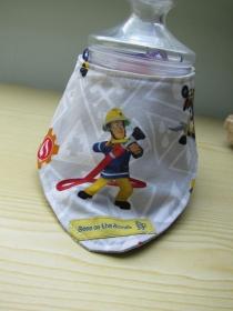 Wendbares Halstuch für Kleinkinder mit Feuerwehr im Einsatz Muster, Bees on the Bonnet - Handarbeit kaufen