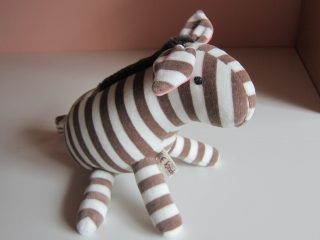 Stofftier, Chocola Zebra, Pony, Zorse, Plüschie, Esel, Stofftier, Plushtier aus Nicky Stoff - Handarbeit kaufen