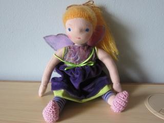 Stoff Puppe, Waldfee Puppe, Aurelia,Waldorf Stil, (32cm), organza Flügel, blondes Mohair Haare, Samtkleid - Handarbeit kaufen
