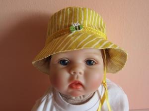 Wendbares Baby Sonnenhut in gelb , Bee on the Bonnet, Sonnenschutz, Kinder Sonnenhut - Handarbeit kaufen