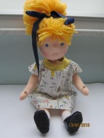 Stoff Puppe mit blonde Haare, Mimi im Feen Kleid, Partner Look Waldorf Stil, OOAK (41 cm)  Puppen Mutti-Kleid bestellbar