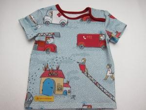 Tatü, Tata die Feuerwehr ist da! T-Shirt für Buben und Mädchen Größe 74 - 9-12 mo, Feuerwehr T-shirt