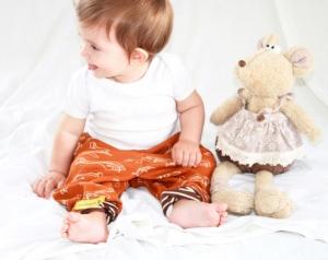 Baby Hose Flieger, Flugzeuge, Aeroplane, brauner baby hose und schal set, Größe zu Bestellen  - Handarbeit kaufen