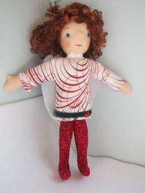 Schutzengel Stoffpuppe, Addiena, handgenähte roter Engels Puppe, Waldorfstil, Weihnachten, Taufe, Schulanfang   - Handarbeit kaufen