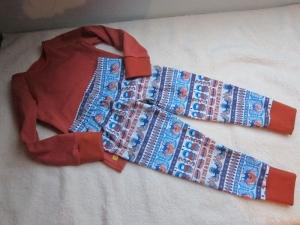 Zweiteiler Inuit Dreams Pulli mit langen Arm und Hosen Set.Ökologischer Jersey Stoff Gr. 110  5 Jahre Eskimo Totem Motif - Handarbeit kaufen