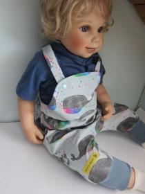 Sommer kurz beinige Baby Strampler mit 7/8 Länge mit Regenbogen Whal Motif organischer Jersey Gr 86-92 - Handarbeit kaufen