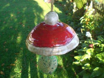 Keramik Meisenknödelhalter rot Vogelfutterplatz im Garten