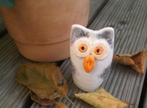 Keramik Eule handgetöpfert ein echter Hingucker in Haus und Garten