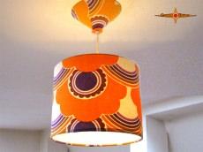 kleine Hängelampe SONJA im Vintagedesign der 70er Jahre