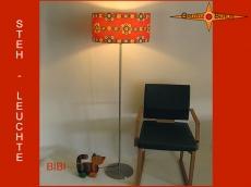 Stehlampe im Vintage Design BIBI mit Prilblumen
