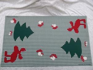 Handgenähte beidseitig nutzbare Weihnachtsdecke
