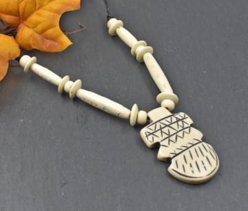 Knochenkette mit Knochenanhänger / Beinkette / Indianer / heidnischer Schmuck / Boho / Mittelalter Schmuck / Ethno Schmuck