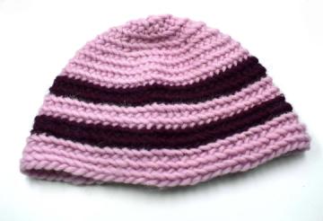 Nadelgebundene Mütze im Mammenstich ★  Naalbinding ★  Nadelbinden ★  Wikinger ★  rosa-weinrot ★  Umfang ca. 54- 57 cm ★  keltisch