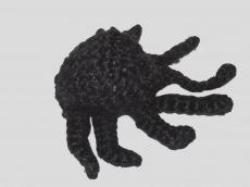Handgehäkelte Spinne als Schlüsselanhänger in Schwarz
