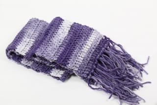 warmer Schal für die kalten Wintertage in lila - Handarbeit kaufen
