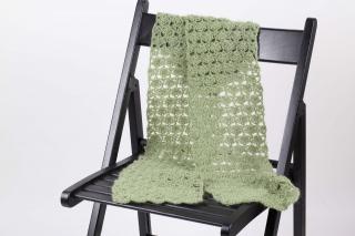 schöner gehäkelter Schal luftig leicht aber trotzdem wärmend Wolle mit Mohair-Anteil - Handarbeit kaufen