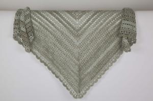 XL Dreieckstuch gehäkeltes Schultertuch, Tuch, Stola luftig leicht,  perfekt für den Sommer