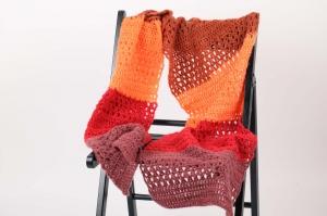 XL Stola gehäkelt federleicht und wärmend: flauschige Wolle mit Mohair-Anteil Schultertuch, Häkelschal  - Handarbeit kaufen