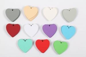 50 gestanzte Geschenkanhänger blanko in Herzform zum Beschriften - viele Farben möglich