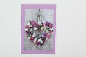 Grußkarte, upcycled aus einem Kalender  Karte mit Blumen Klappkarte Faltkarte Blumenkarte - Herzkranz - Handarbeit kaufen
