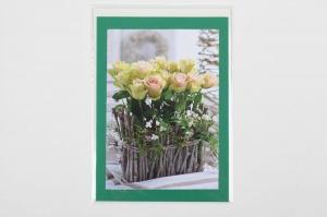 Grußkarte, upcycled aus einem Kalender  Karte mit Blumen Klappkarte Faltkarte Blumenkarte, Gesteck mit Rosen - Handarbeit kaufen