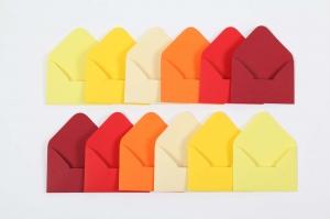 12 Mini Umschläge / Kuverts Umschlag für Geldgeschenk gelb-rot-Tönen Kuvert