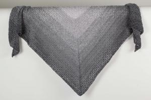 XL Dreieckstuch Schultertuch, Tuch, Stola luftig leicht mit schönem Farbverlaufsgarn gehäkelt - Handarbeit kaufen