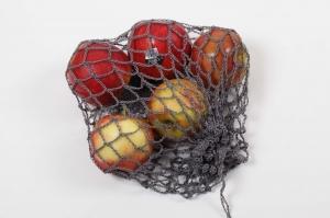 gehäkeltes Obstnetz, Gemüsenetz Beutel als Ersatz für die Plastikverpackung im Supermarkt/Marktstand