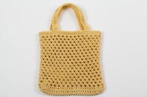 gehäkeltes Täschchen um Kleinigkeiten in der Handtasche schnell zu finden ..