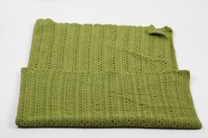 selbst gehäkelte Decke als Lesedecke oder Sesselüberwurf, warm und kuschelig ca. 140 mal 120 cm  - Handarbeit kaufen