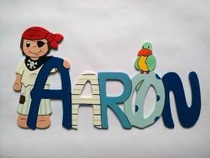 Handgefertigtes Namensschild, Türschild Schriftzug *Pirat* für die Kinderzimmertüre