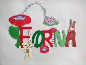 Handgefertigtes Namensschild, Türschild Schriftzug * Blume mit Bär, Hase und Schmetterling * für die Kinderzimmertüre