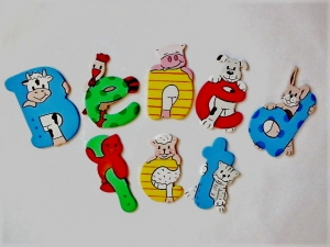 Holzbuchstaben Tiere , Schriftart: