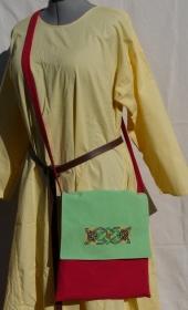 Beutetasche mit Knotenstickerei im Wikinger Stil
