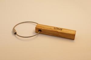 Toller Schlüsselanhänger aus Holz  | Eichen | 1-Seitiger Wunschbeschriftung zum Geburtstag, als Gastgeschenk oder zu Weihnachten